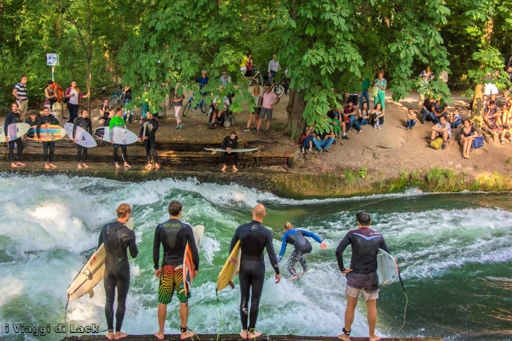 Surfing on Eisbach