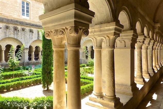 Il chiostro dell'abbazia di Senanque