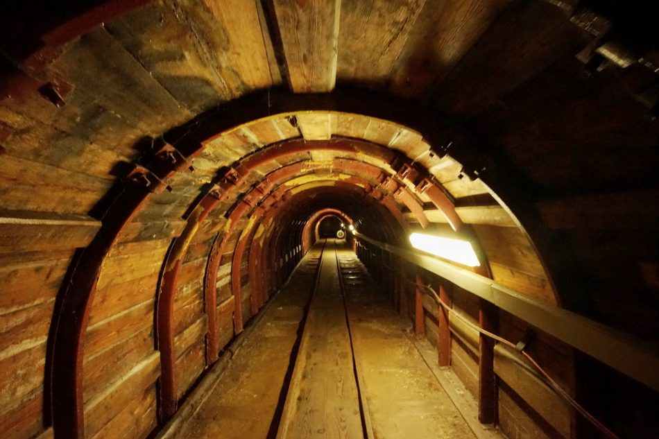 tunnel della miniera