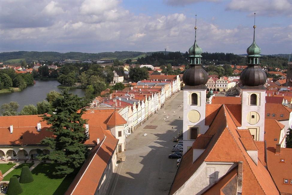 Veduta della piazza dal castello