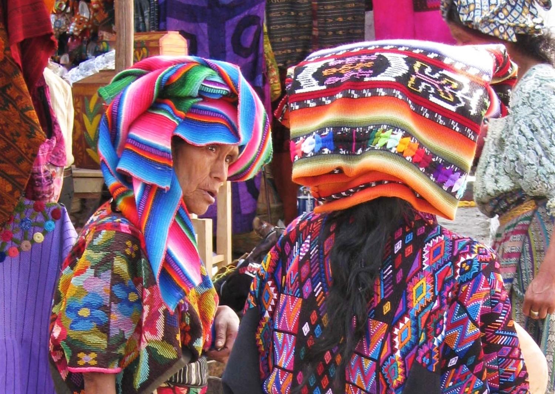 Donne maya di etnie diverse