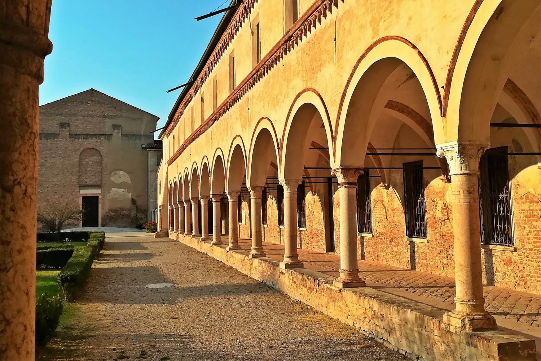 uscita dal monastero